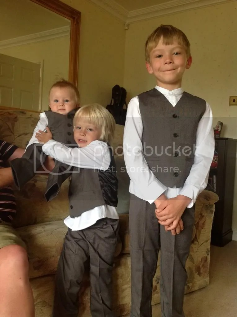 What would you dress a 17m old and 5 yr old in boys for