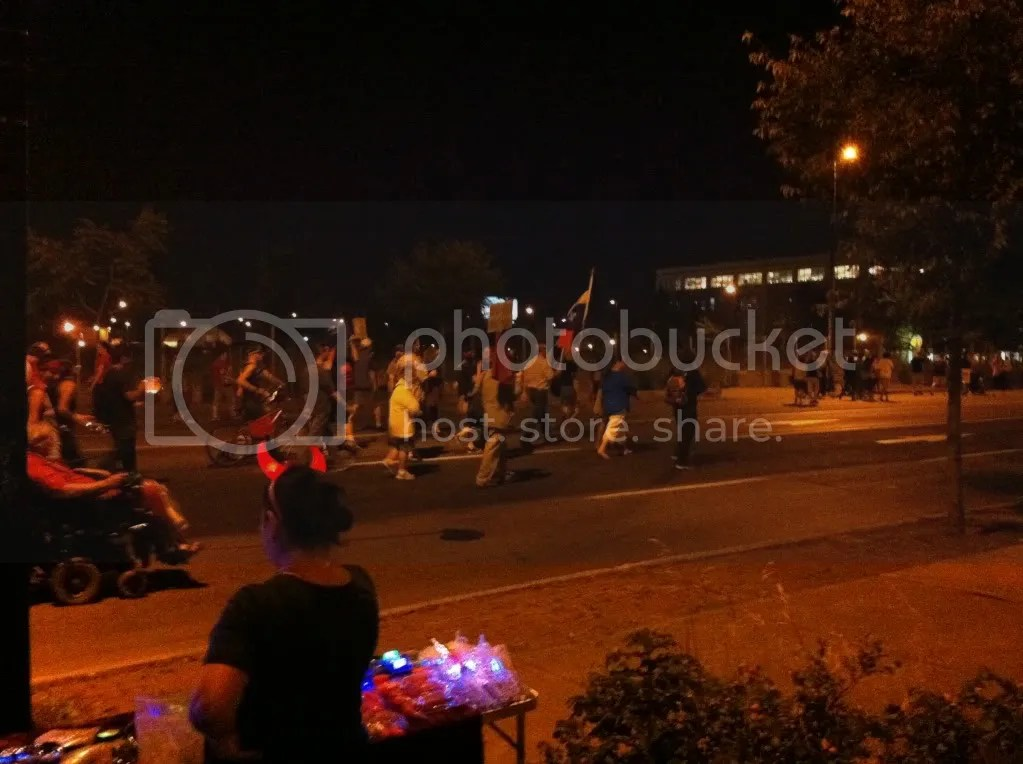 2012-07-27 - 21h37 #manifencours95