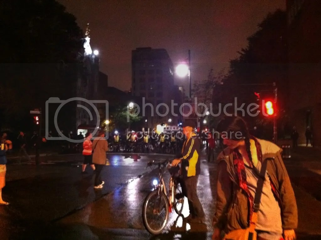 2012-08-10 - 23h34 #manifencours109