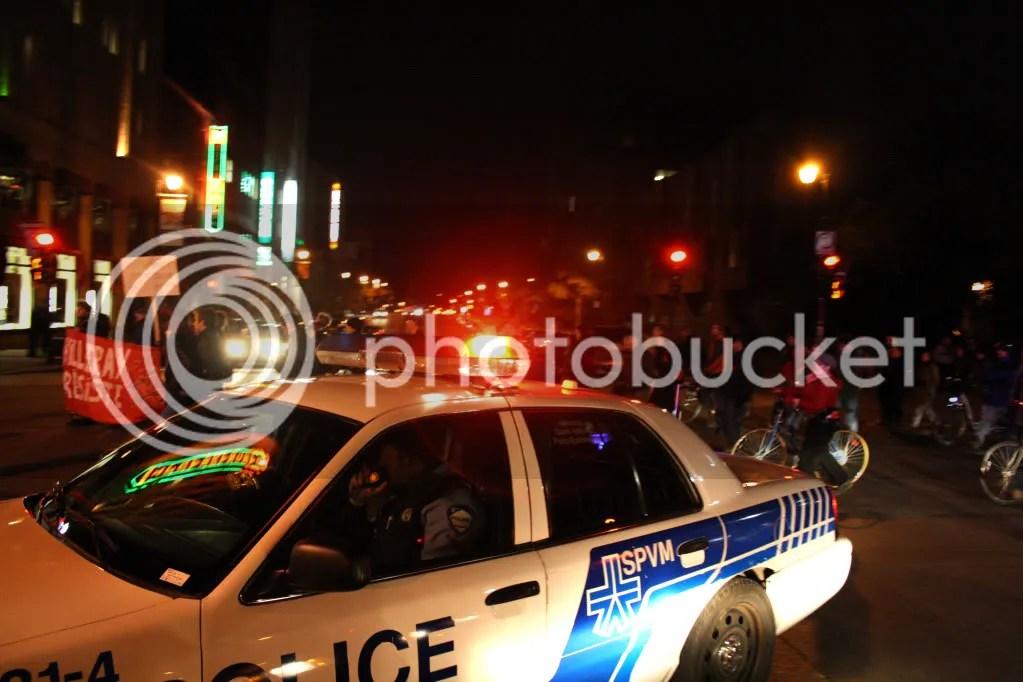 2012-10-13 - #manifencours #GlobalNOISE Montréal - 20h28