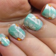 nails daisy nail art