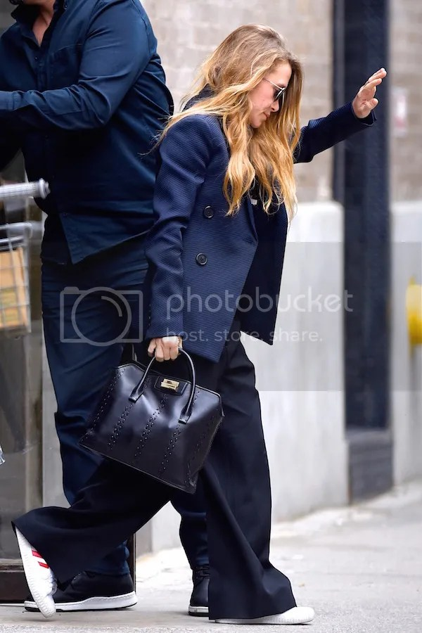 Olsens Anonymous See MaryKate Olsenamp39s Take On Business