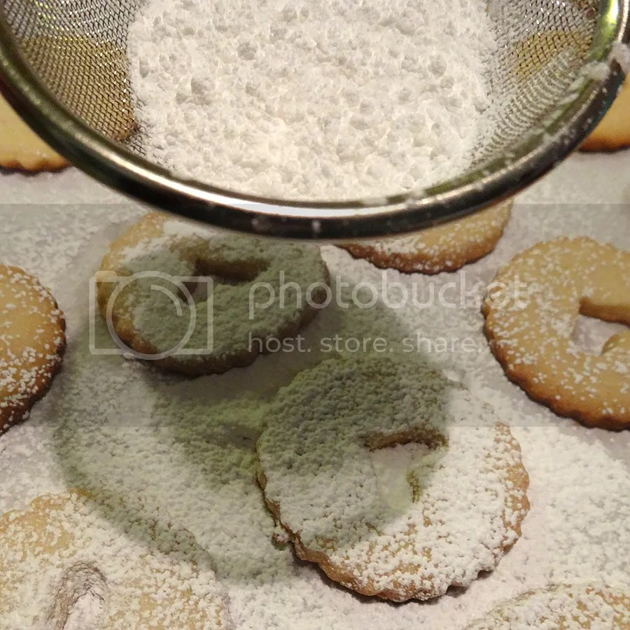 dust cookies with icing sugar