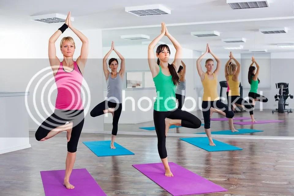 Tree Pose Gerakan Yoga Untuk Menurunkan Berat Badan Untuk Pemula