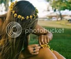 girl with flowers in her hair photo: Girl tumblr_ljxh8vm7nD1qepnyqo1_500_thumb.jpg