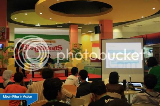 Mbak Rika di IdBlogilicious Medan
