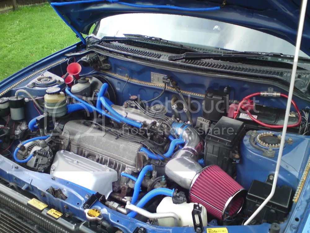 medium resolution of my battery is on the right as you look in the engine bay air con fuse toyota rav4
