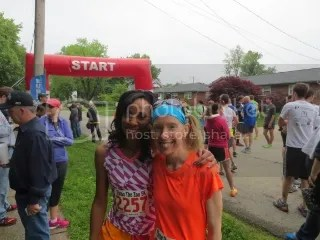 Kelsie and me at the start of the Throo The Zoo 5K.  She rocked it.