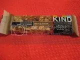KIND Madagascar Vanilla Almond Nuts & Spices Bar