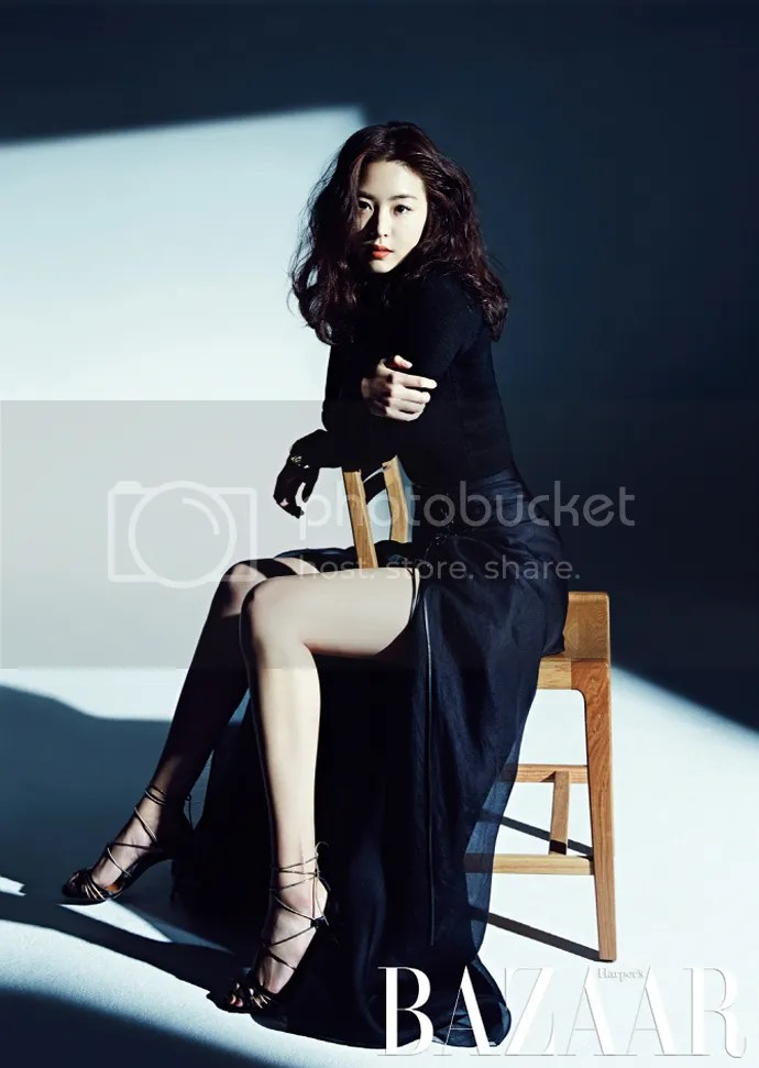 Lee Yeon Hee Overflows With Sensuality In February 2015