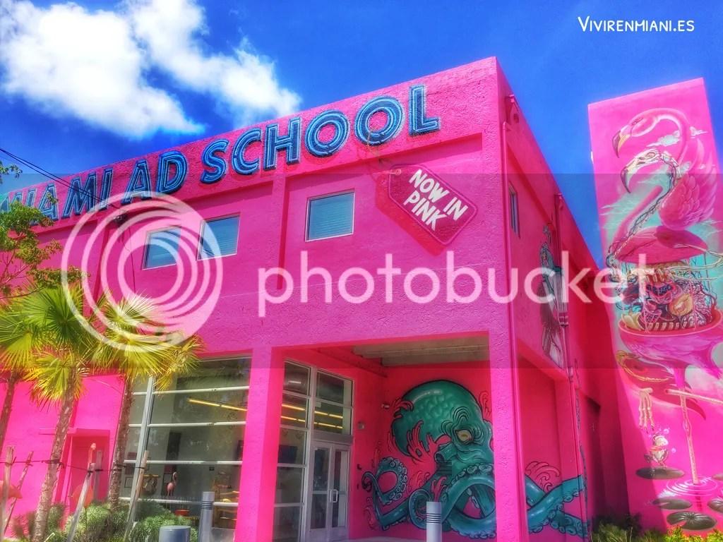 359ab8b8073 Dónde vivir en Miami  Wynwood. ZaK The Baker y MIAM. · Vivir en ...