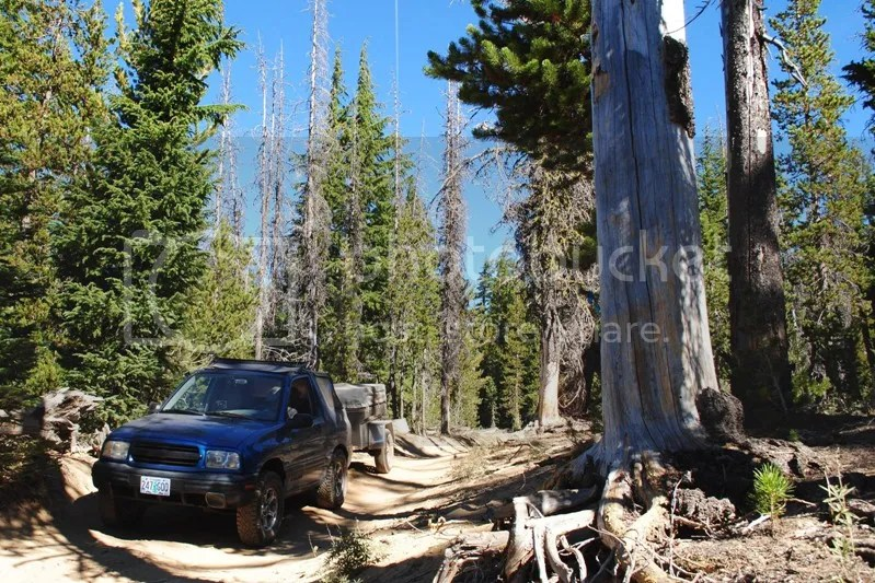 Jeep Trailer Broken Top Mountain Oregon Adventure with Compact Camping Trailers and Dinoot Trailers 4WD Trail 2