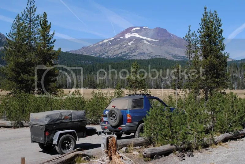 Jeep Trailer Broken Top Mountain and Sparks Lake Oregon Adventure with Compact Camping Trailers and Dinoot Trailers Cascades Hwy