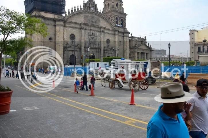 Sunday near the cathedral photo DSC_0148_zpszridoz9m.jpg