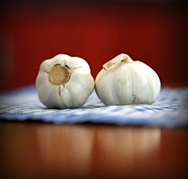 Home remedies for colds: Garlic MAY work, but it's best to use the fresh stuff