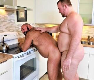 Two Tops & Two Big Bellies: Brad Kalvo, Hunter Scott