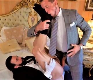 Butler Service: Miguel Angel, Pierce Paris
