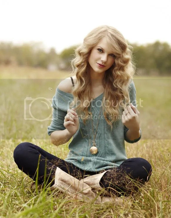 Taylor Swift 2 Pictures, Images and Photos