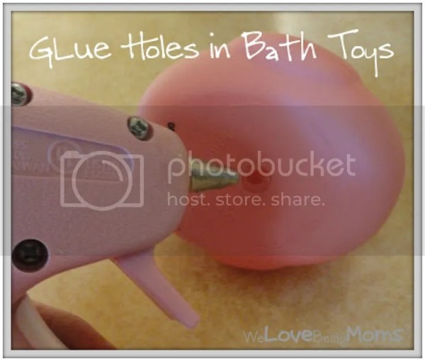 Brand New Mom Hacks to save your sanity! A no-brainer for keeping your bath toys safe!