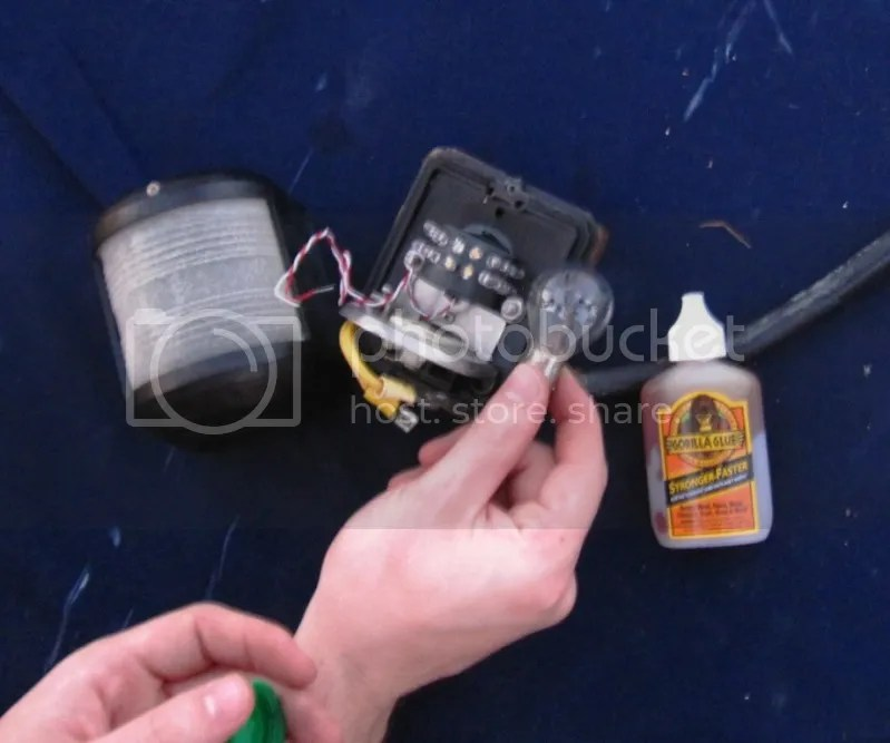 Replacing stern light with Bebi LED navigation light