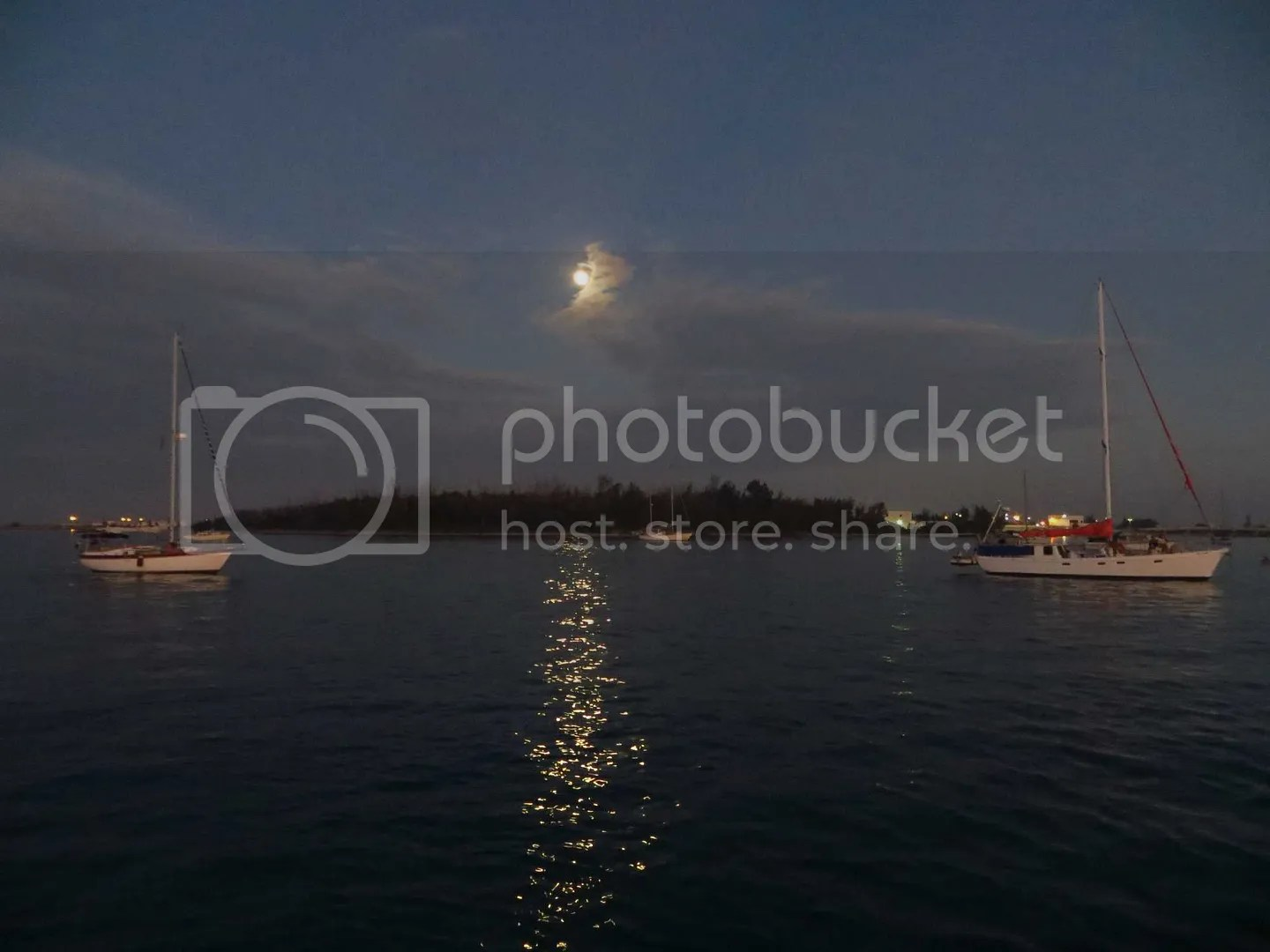 Full moon at fleming key