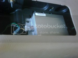 Factory amp location 1998 ford expedition