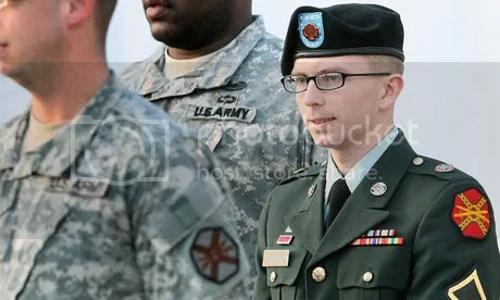 https://i0.wp.com/i1123.photobucket.com/albums/l553/Steve_Zielinski/Bradley-Manning-is-escort-010.jpg