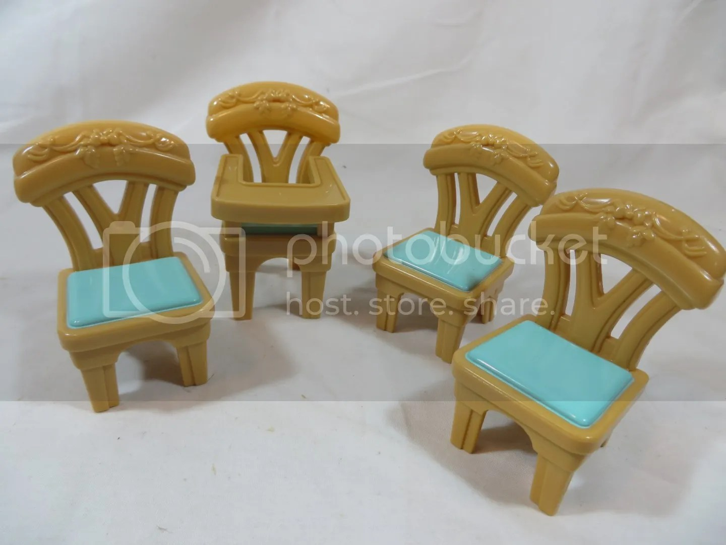 Fisher Price Table And Chairs Fisher Price Loving Family Dollhouse Holiday Musical Flip