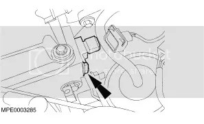 where is the camshaft sensor in the 2000 ford focus se