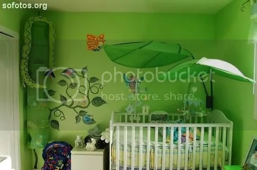 Quarto de bebe verde decorado
