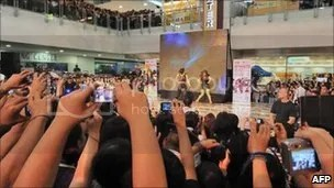 South Korean girl band 4minute perform a concert in a mall in Manila, in the Philippines