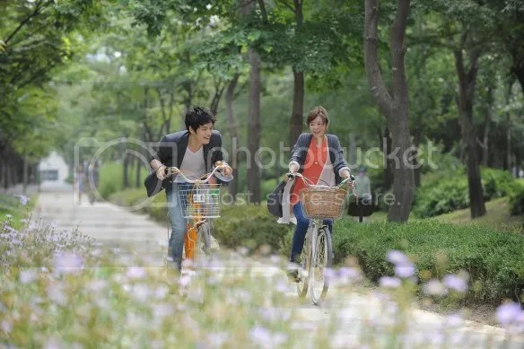 "[PICS] Jaejoong and Kanghee riding bikes together in ""Protect the Boss"""