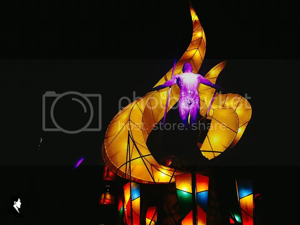 Inspired by the Lubena Christmas festival in Pampanga, Toym Imao's lanterns and light sculptures adorn the Oblation, launching UP Diliman's holiday celebrations. Photo by Krysten Mariann Boado