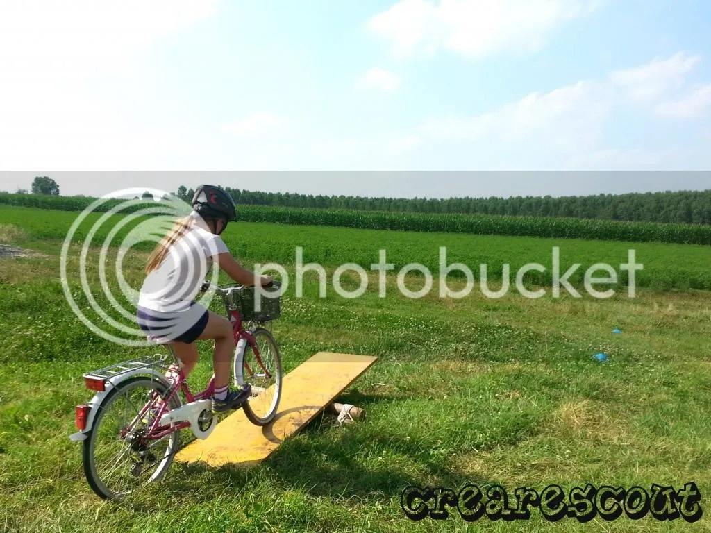 in bicicletta in campagna