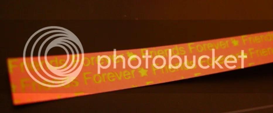 um exemplo de estrela de papel! Claro é laranja~