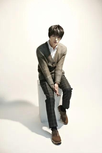 http://s1147.photobucket.com/albums/o550/JYJThree/2012/November/KJJ%20Korean%20Interviews/Metro%20Seoul/?action=view&current=205739_26717_5148.jpg
