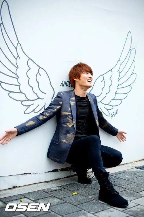 http://s1147.photobucket.com/albums/o550/JYJThree/2012/November/KJJ%20Korean%20Interviews/Osen/?action=view&current=201211150437775954_50a3f30feb8fb.jpg