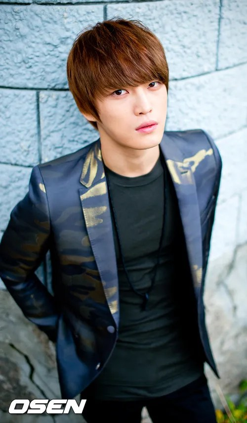 http://s1147.photobucket.com/albums/o550/JYJThree/2012/November/KJJ%20Korean%20Interviews/Osen/?action=view&current=201211150438776131_50a3f34c13138.jpg