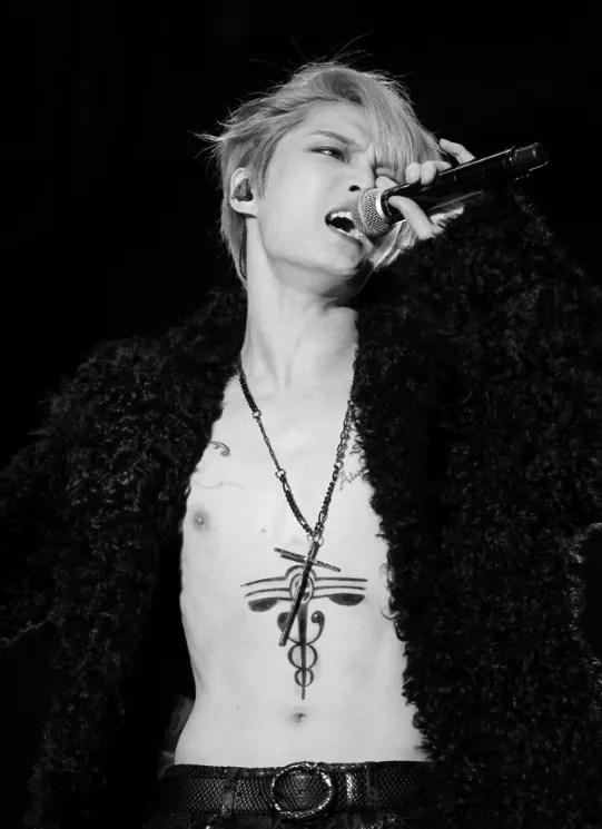 photo kimjaejoong_concert_tatist_tattoo_04.jpg