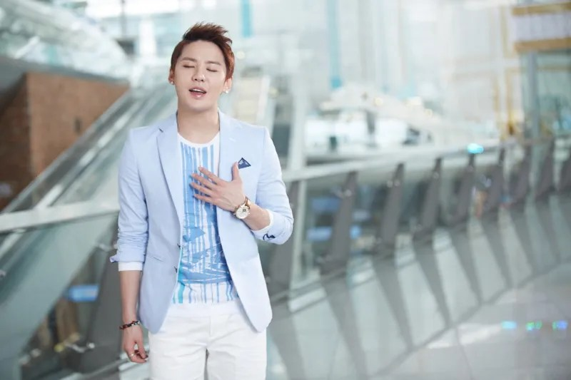 photo junsu-singing.jpg