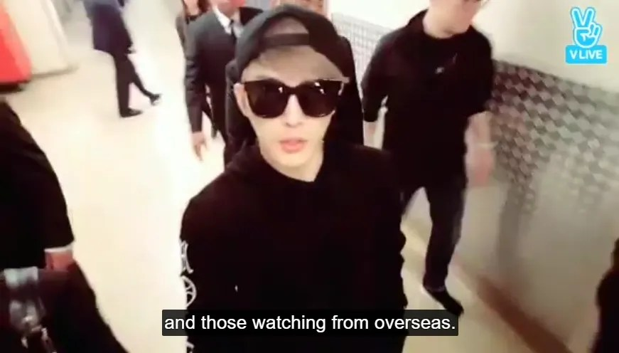ENG SUB] 170325 V-Live: Kim Jaejoong gives tour of his 1st