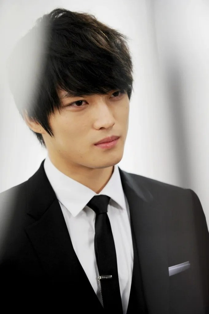http://i1147.photobucket.com/albums/o550/JYJThree/Protect%20The%20Boss/jj03.jpg~original