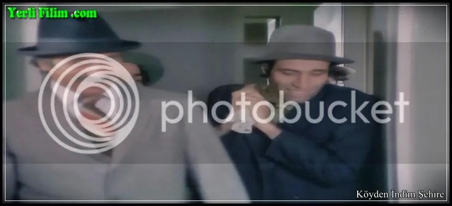 Köyden İndim Şehire,Ertem Eğilmez,1974,Kemal Sunal,Saffet,Zeki Alasya,Himmet,Metin Akpınar,Hayret,Halit Akçatepe,Gayret,Mine Mutlu,Kayseri,87 Dak.,Türkiye,Türkçe,Sinema Filmi,35 mm.,renkli,