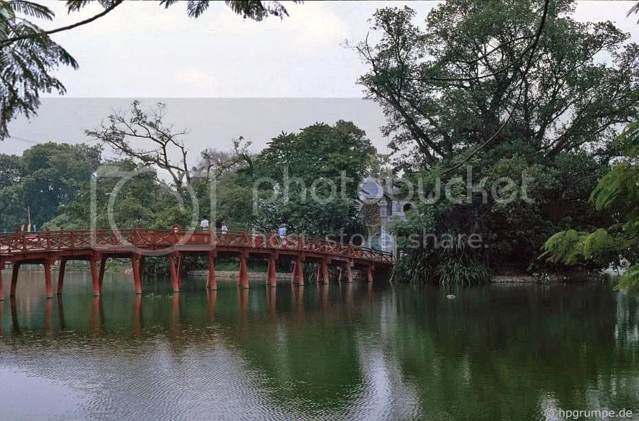 Hà Nội: Hồ Hoàn Kiếm - The-Thê Húc