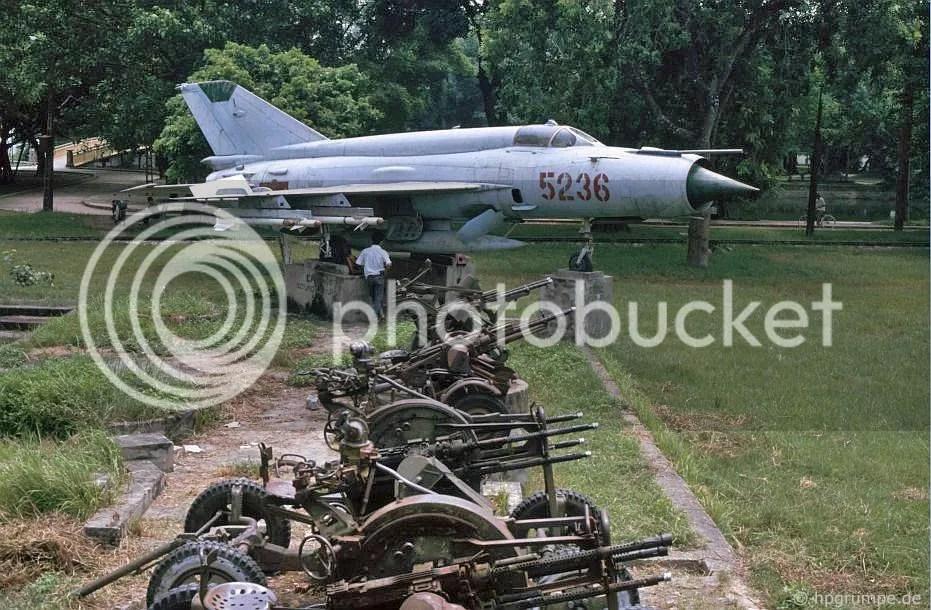 Hà Nội: máy bay và vũ khí từ thời chiến tranh Việt Nam tại công viên Lê Nin