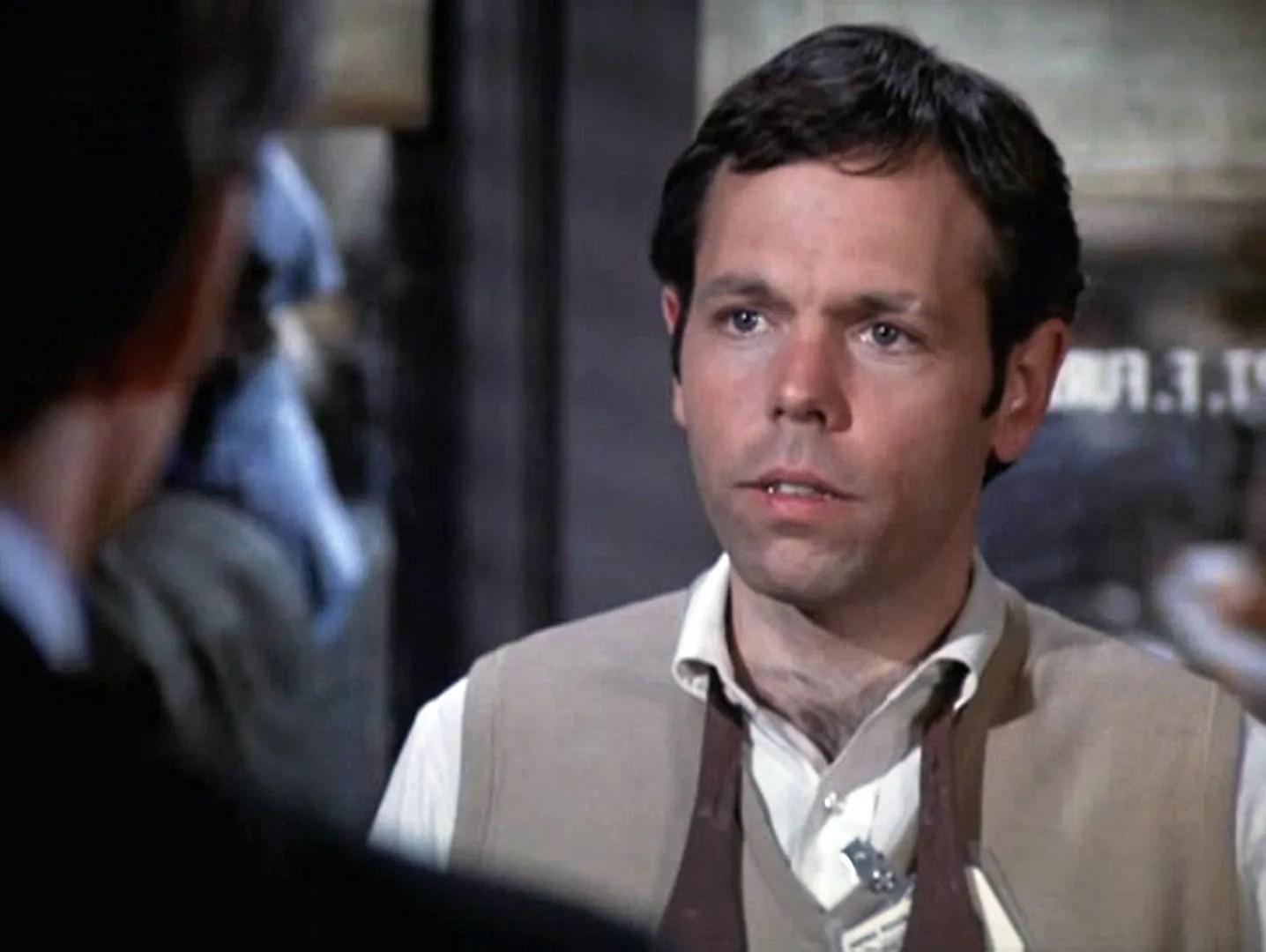 In hill street blues season 2 episodes 15 18 1982 a for Joe spano