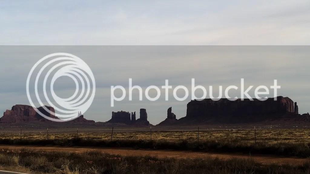photo Monument_Valley_5_zps1g5w3nne.jpg