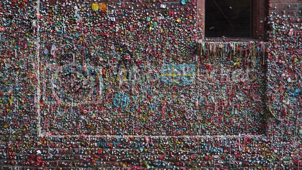photo Post_Alley_Gum_Wall_zpsf190bgw0.jpg