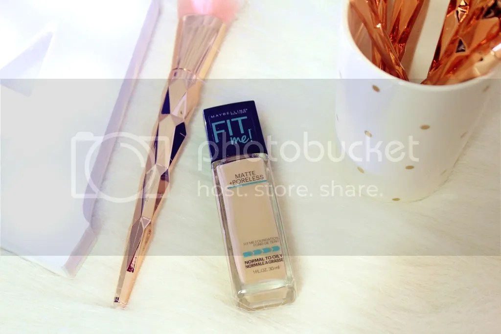 The new Fit Me Matte + Poreless Foundation from Maybelline New York