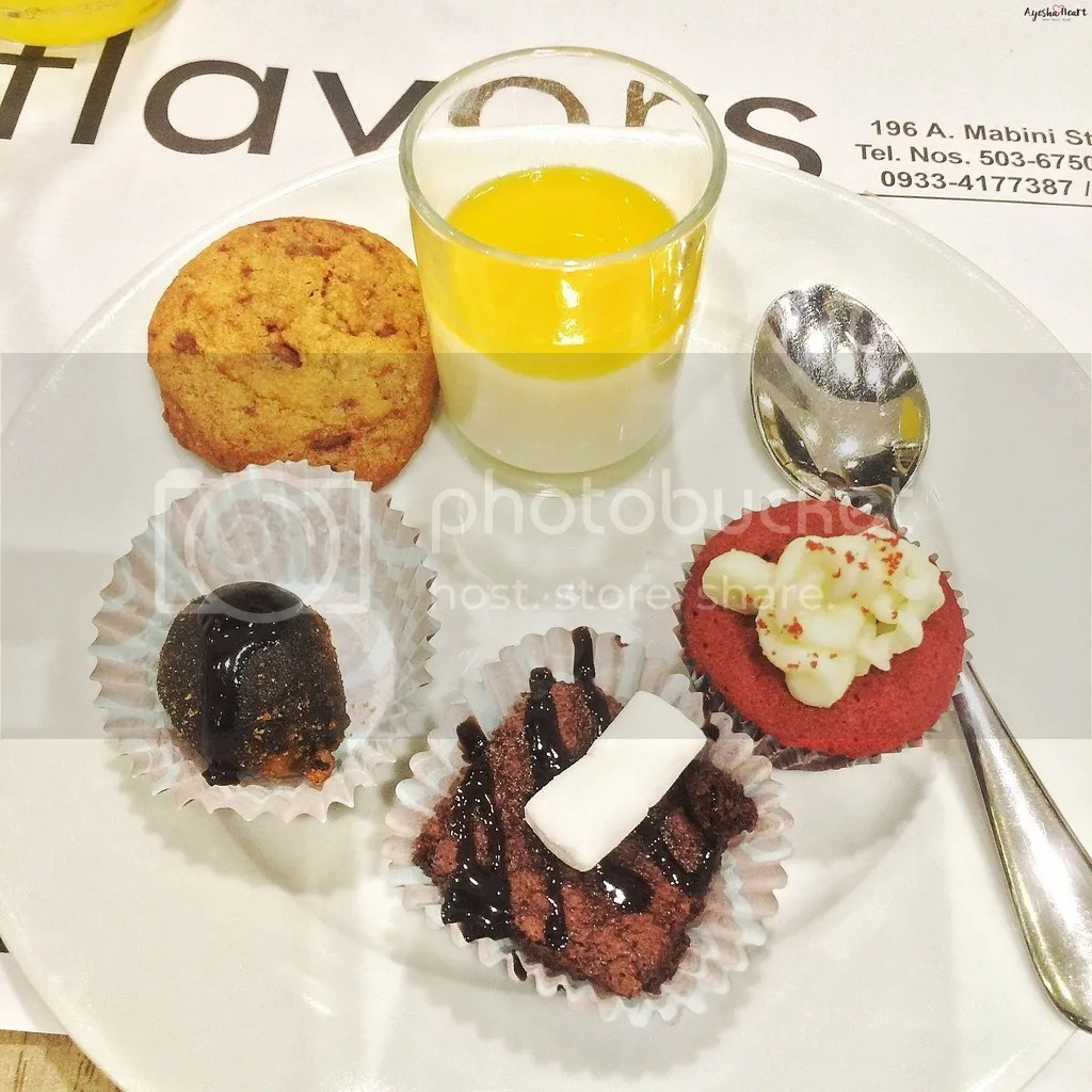 AyeshaHeart 7Flavors plate desserts